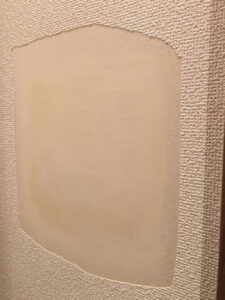 トイレの壁穴補修